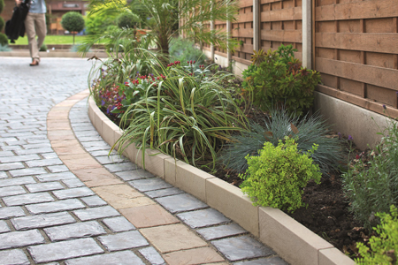 Kerb and edging products for builders