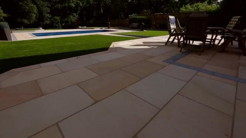 Garden Fly Through: Sandstone Paving