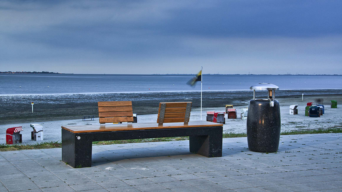 eraclea stone bench by the seafront